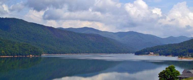 Watauga Lake at the Harbour in Summer - Photo Copyright 2006 Erin E. Raub